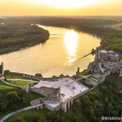 Tematické kultúrne cesty na území západného Slovenska